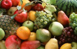 La frutta e le verdure vanno lavate accuratamente